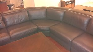 Brown Leather sectional for Sale in Orlando, FL