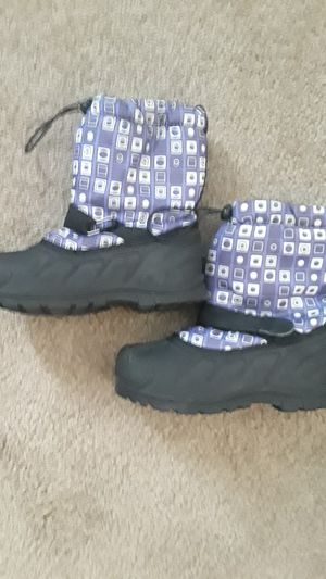 Kids girls size 1 snow boots for Sale in Surprise, AZ