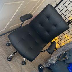 Desk / Salon Chair for Sale in Hayward,  CA