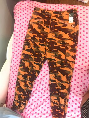 SIZE XL wears like a large-extra large CAMO Chino pants for Sale in Chicago, IL