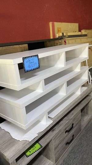 White Wooden Tv stand Fits yp to 55'' TV FR for Sale in Euless, TX