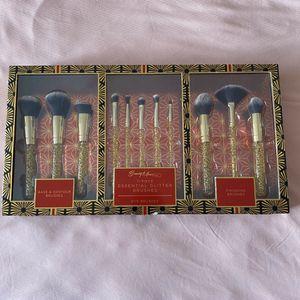 Beauty muse pro brush set for Sale in Camden, DE