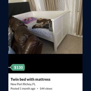 Free Twin Day Bed for Sale in New Port Richey, FL