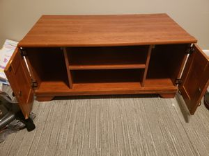 ENTERTAINMENT CENTER/COFFEE TABLE for Sale in Lexington, KY
