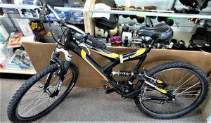Giant DS3 Mountain Bike for Sale in Largo, FL