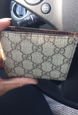 Gucci men's wallet for Sale in Kent, WA