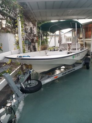 Boston whaler for Sale in Boynton Beach, FL