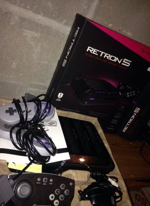 Complete retron 5 with 2 official snes controllers for Sale in Houston, TX