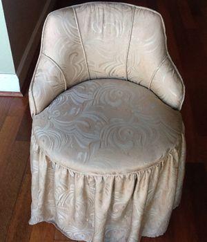 Vintage vanity chair for Sale in Costa Mesa, CA
