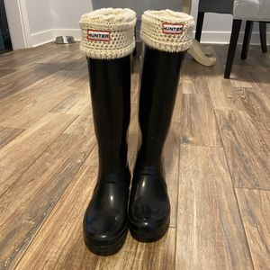 Hunter Original Tall Rain Boots + Welly Boot Socks for Sale in Nashville, TN