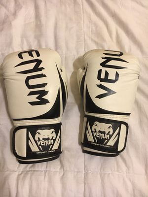 Venom 12 Oz boxing gloves for Sale in Santa Monica, CA