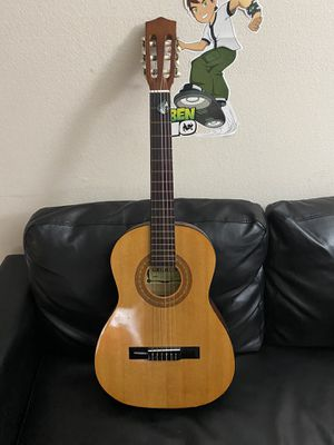 Guitar acoustic in good condition for Sale in Nashville, TN