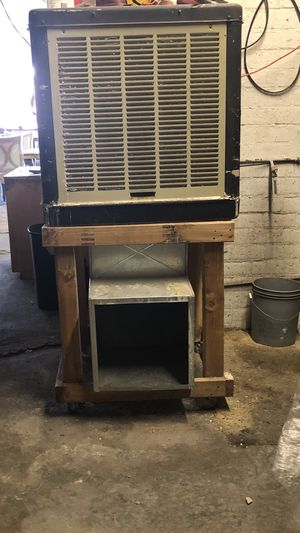 2 swamp coolers each one $100 for Sale in Las Vegas, NV