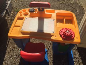 Cute Fisher Price Kid Desk for Sale in Arlington, TX