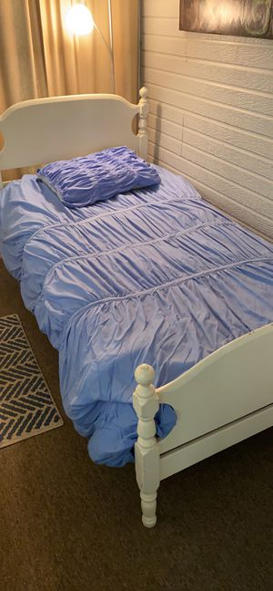 Matching Twin Comforter Sets for Sale in Belton, SC