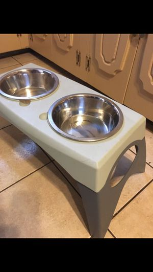 Pet food stand with 2 Stanley bowls $40 for Sale in Mesquite, TX