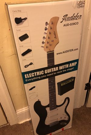 Electric guitar with amp for Sale in Philadelphia, PA