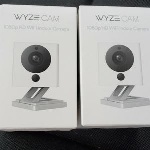 2 Pack Wyze Cameras for Sale in Seattle, WA