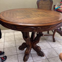4 Chair Kitchen Table for Sale in Lakewood,  CA