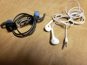 JAM Transit Fitness Buds Wireless Sport Earbuds - Black (HX-EP400) + Apple Earphon for Sale in Lakewood, WA