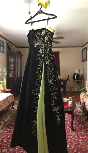Prom dress for Sale in Durham, NC