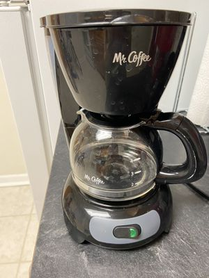 Mr. Coffee 4-cup Switch Coffee Maker, with Permanent Filter for Sale in River Edge, NJ