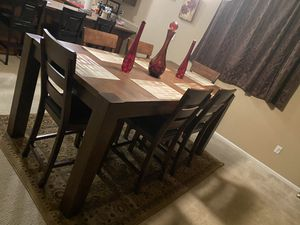 9-piece Dining Room Set plus Rug for Sale in Tacoma, WA