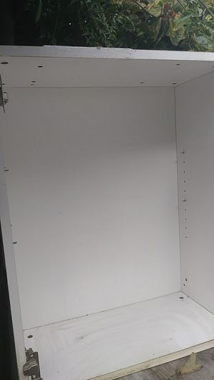 Kitchen wall cabinet 30×24. W door for Sale in Los Angeles, CA
