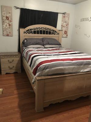 4 piece bedroom set for Sale in Ridgeland, MS