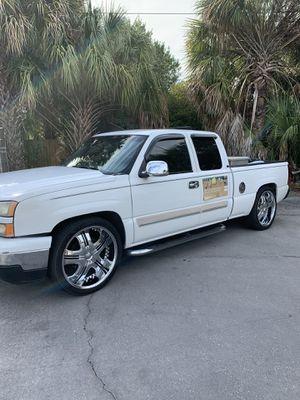 Chevy Silverado 2006 $$$$$$$ for Sale in Tampa, FL