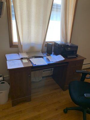 Computer desk for Sale in Ridgefield, NJ