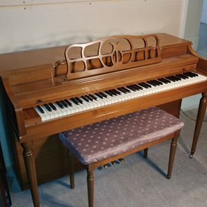 1960s Winter upright delivered and tuning included for Sale in Phoenix, AZ