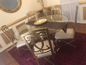 Round clear glass top with gold metallic base ( 5 chairs) for Sale in Springfield, VA