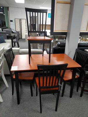5pcs Dining Set for Sale in Los Alamitos, CA