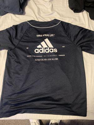 Adidas shirt for Sale in Tukwila, WA