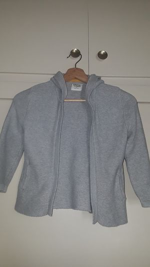 Girl's sweater size 4t for Sale in Los Angeles, CA