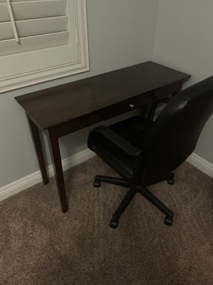 Office chair and desk for Sale in Temecula, CA