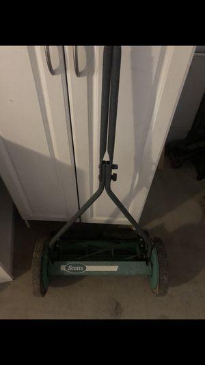 Push lawn mower for Sale in Maricopa, AZ