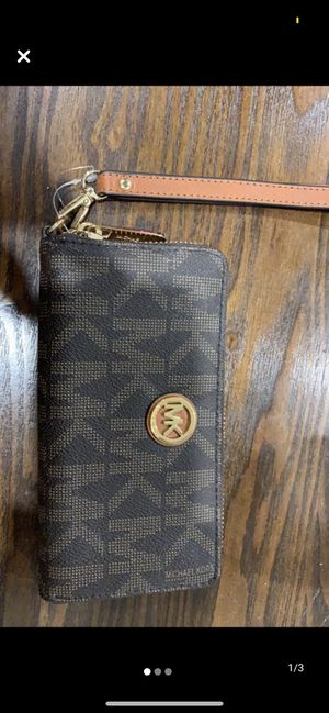 Michael Kors wallet new ! Never used for Sale in La Quinta, CA