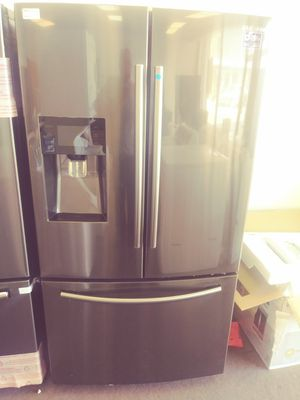 Samsung Black Stainless Steel with Ice Maker for Sale in Fairview Park, OH