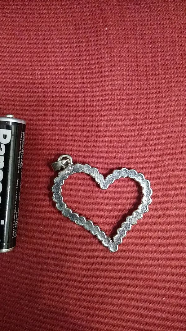 Heart shaped rhinestone necklace pendant