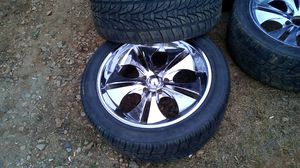 305 40 22 tires rims going with don't no what they fit an one Peel in chrome for Sale in Woodruff, SC