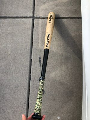 Easton wood baseball bat 33/30 with money grip for Sale in Fresno, CA