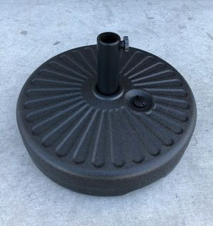 New in box $25 each 50 lbs 20 inches diameter round 23 liter capacity waterfilled umbrella stand for Sale in Pico Rivera, CA