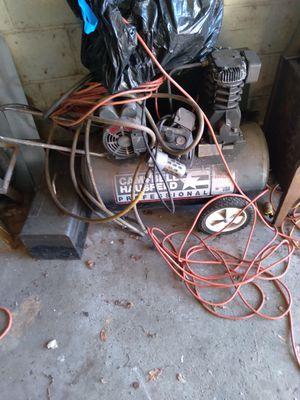 Compressor 30gal. 220 v for Sale in Sharpsburg, PA