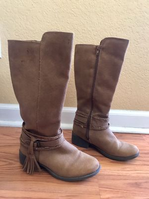 Girls boots, Sz 2, Madden Girl for Sale in Brighton, CO