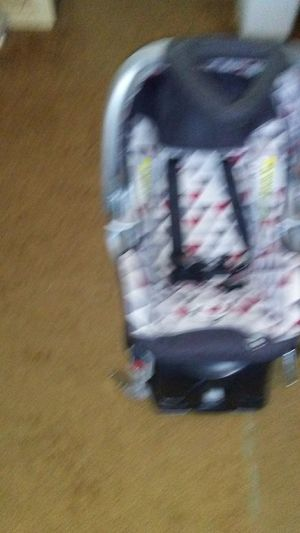 Babytrend- baby car seat for Sale in Evansville, WY