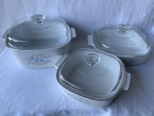 3 Corning ware with glass Pyrex lids