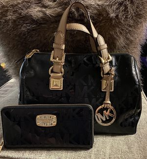 Michael kors purse and wallet for Sale in Denver, CO