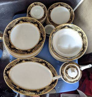 Dinnerware set of 8 for Sale in Brookline, MA
